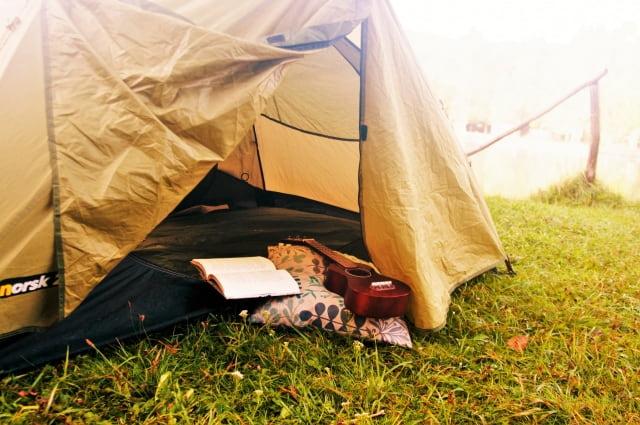 テントでリラックス